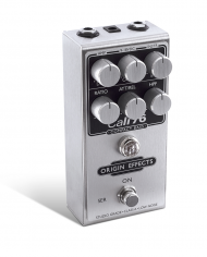 Cali76-CB-Origin-Effects-Analogue-Boutique-Compressor-Sustainer-Standing