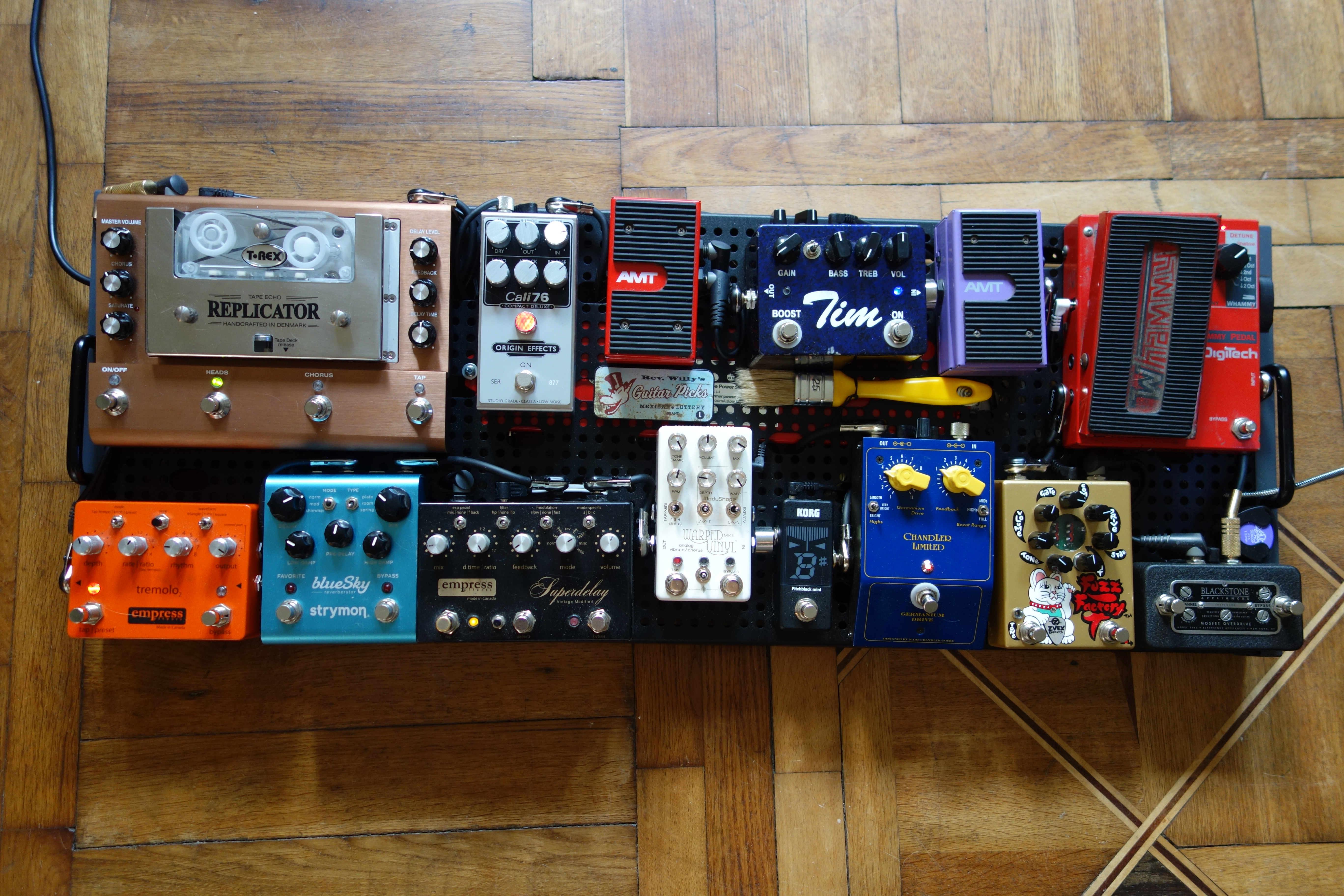 readers pedalboards 1 tools of the trade origin effects. Black Bedroom Furniture Sets. Home Design Ideas