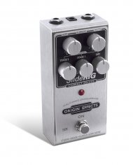 SlideRIG-CD-Origin-Effects-Analogue-Boutique-Compressor-Sustainer-Standing