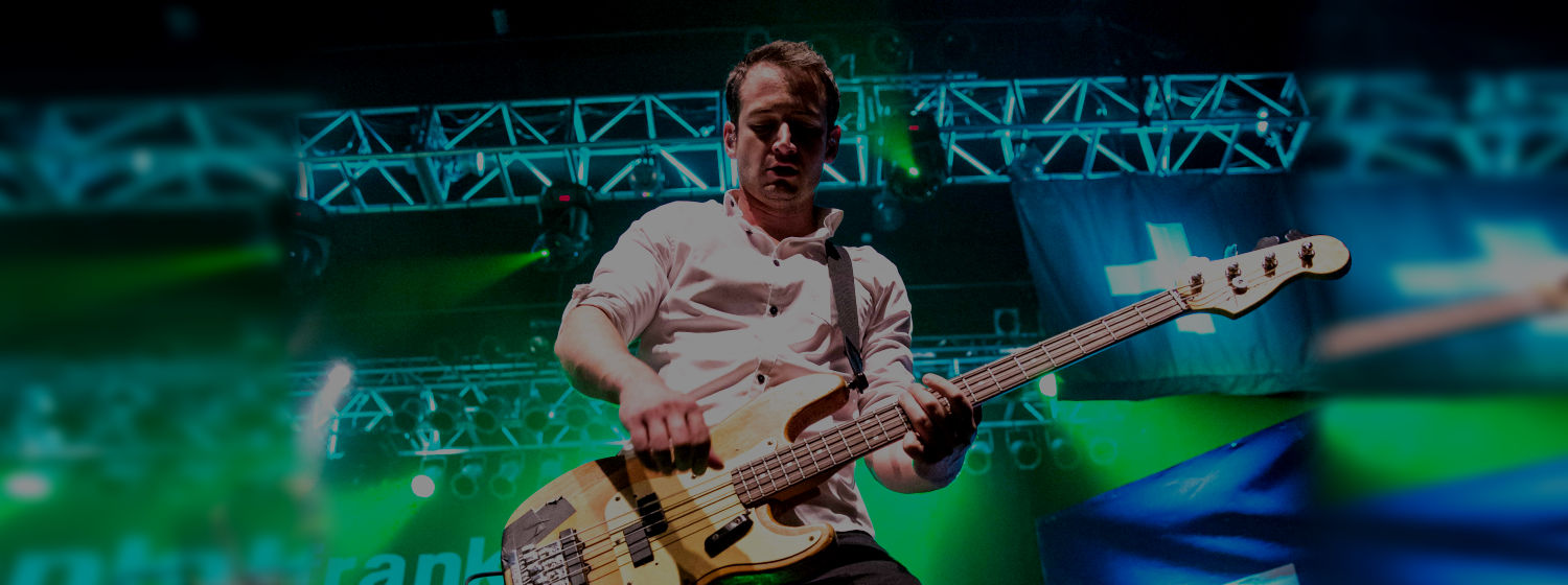 Tarrant Anderson Frank Turner & The Sleeping Souls Bass PLayer uses Origin Effects Cali76 Boutique Analog Compressor Sustainer