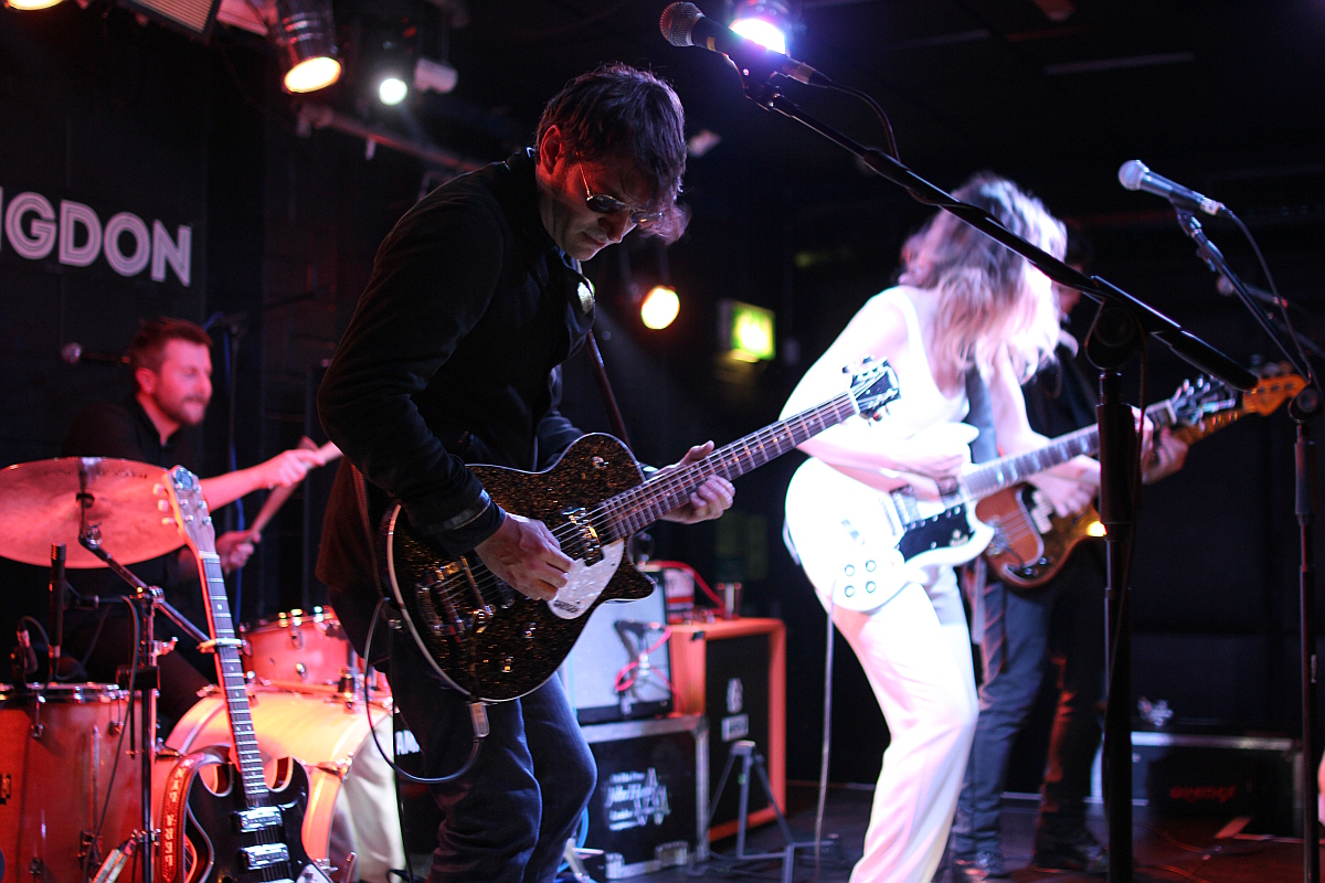 Joshua Grange Lera Lynn Oxford Bullingdon Arms. Nashville Guitarist Sheryl Crow KD Lang Cali76 TX Compressor Sustainer Boutique Made In UK Pedal