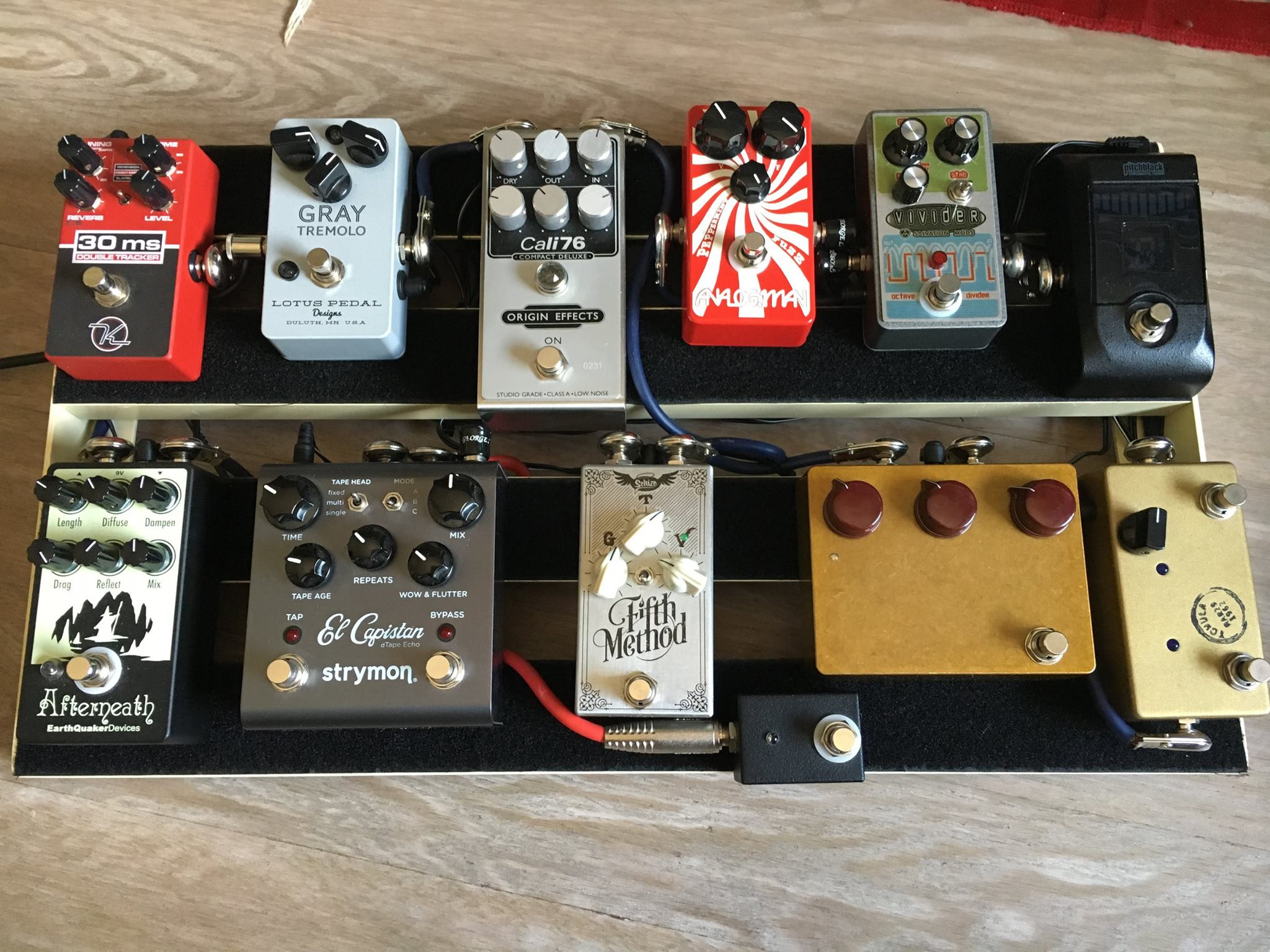 Nicola Di Luca Pedalboard Origin Effects Cali76 Compact Deluxe Compressor Earthquaker Devices Afterneath Strymon El Capistan Schizo Fifth Method Klon Centaur Korg Pitchblack Lovepedal Tchula Salvation mods Vivider Analogman Peppermint Fuzz Lotus Pedal Gray Tremolo Keeley Double Tracker Neil Young