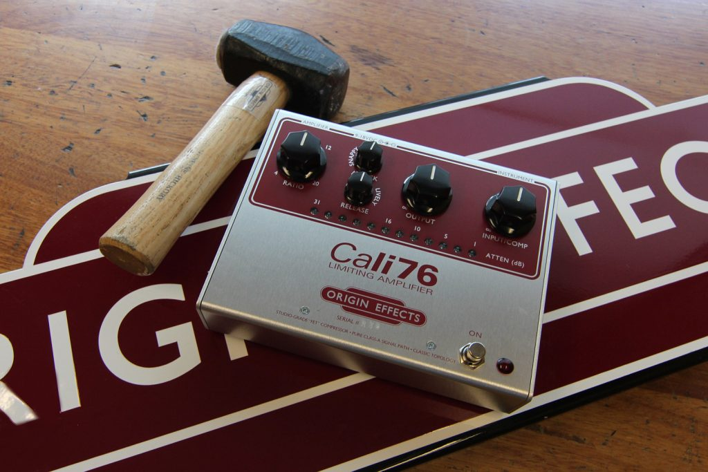 Limited Edition Red Panel Origin Effects Cali76 Standard Studio Style Boutique Analogue Guitar Compressor Effects Pedal Reissue 1176 Vintage Rack Limiter Effect Stompbox