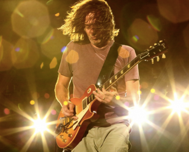 Stone Gossard of Pearl Jam uses an Origin Effects SlideRIG 1176 analogue boutique compressor pedal les paul