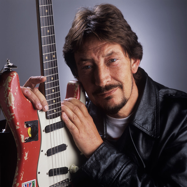 Chris Rea British Guitarist uses Fender Stratocaster and Origin Effects SlideRIG compressor pedal