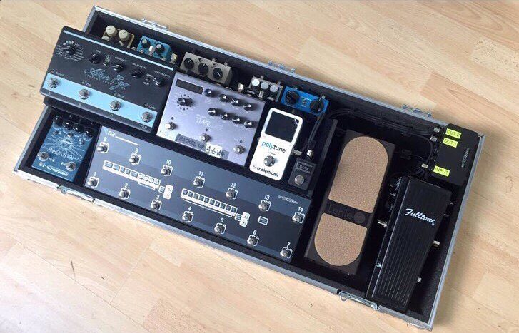 Charlie Burchell Simple Minds Pedalboard Rig Origin Effects Cali76 compressor Gigrig Switcher Analogman Chorus Strymon