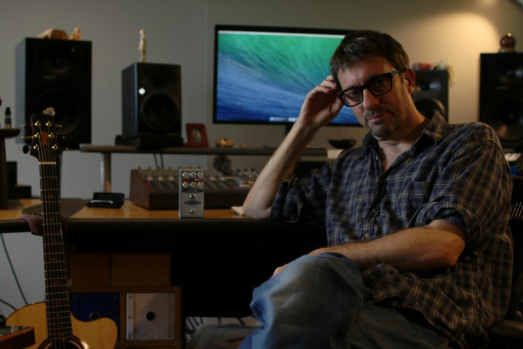 Graham Coxon Origin Effects Cali76-CD Union Jack Cali 76 Compact Deluxe compression pedal blur