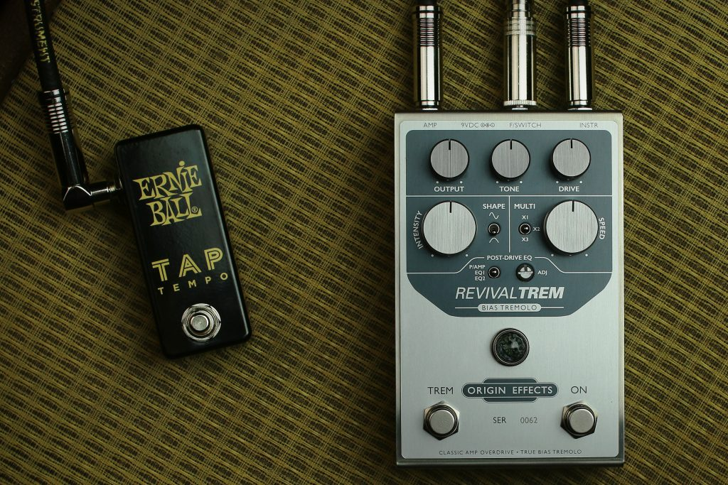 Origin Effects RevivalTREM Bias Tremolo Pedal, Fender Brown Deluxe Amp